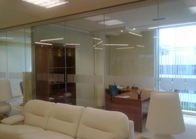 D. cristal 1 400x284 - Instalación Despacho Cristal